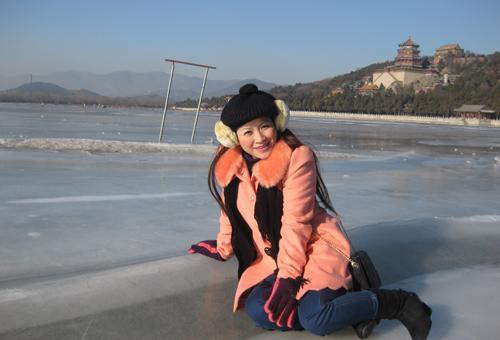 Vợ chồng Kiều Linh tình tứ tại Bắc Kinh - 5