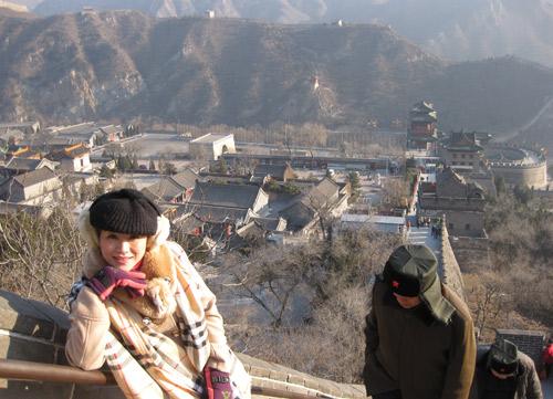 Vợ chồng Kiều Linh tình tứ tại Bắc Kinh - 6