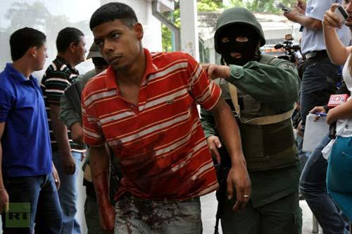 Venezuela: Bạo loạn trong tù, 50 người chết - 2