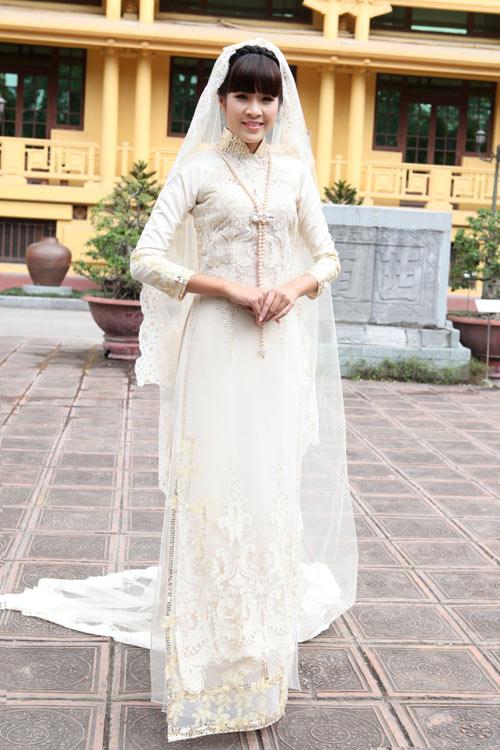 Chọn áo dài cưới cho cô dâu 2013 - 7