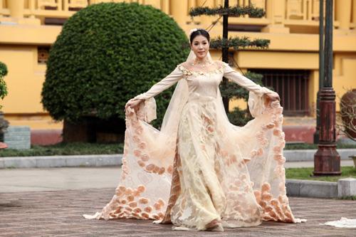 Chọn áo dài cưới cho cô dâu 2013 - 4