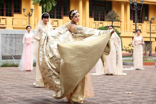 Chọn áo dài cưới cho cô dâu 2013 - 9