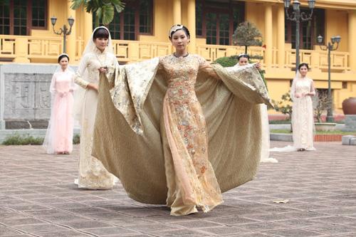 Chọn áo dài cưới cho cô dâu 2013 - 8