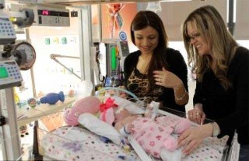 Giải cứu cho bé gái tim ngoài lồng ngực - 6