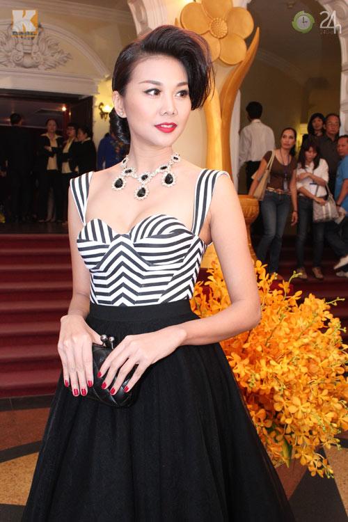 Ngô Thanh Vân khoe vai trần nõn nà - 5