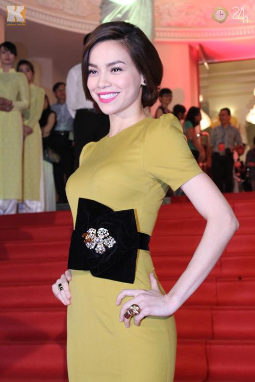 Ngô Thanh Vân khoe vai trần nõn nà - 8
