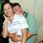 Phim - Hoài Linh, Hoàng Mập âu yếm trong cánh gà