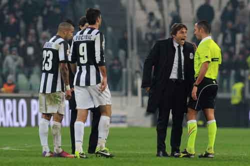 Juventus - Genoa: Bỏ lỡ thời cơ - 1