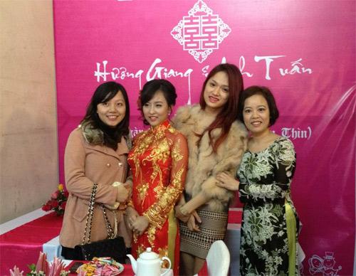 Cười vỡ bụng tin Hương Giang Idol cưới - 3