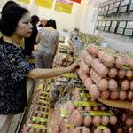 Thị trường - Tiêu dùng - Giá trứng gà tại Hà Nội vẫn cao ngất