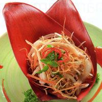 Thân quen với nộm hoa chuối trộn tai heo