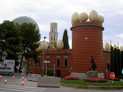 Những công trình kiến trúc độc đáo nhất thế giới - 9