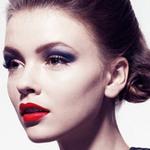 Làm đẹp - Trang điểm mắt hợp với son môi đỏ