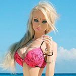 """Phi thường - kỳ quặc - Cận cảnh """"phiên bản người thật"""" búp bê Barbie"""