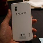 LG Nexus 4 màu trắng xuất hiện tại Việt Nam