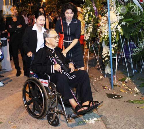 Rơi lệ đưa tang nhạc sỹ Phạm Duy - 2