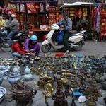 Tin tức trong ngày - Đến phiên chợ đồ cổ duy nhất trong năm ở HN
