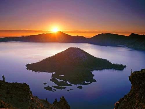 Vẻ đẹp huyền bí của công viên Crater Lake - 3