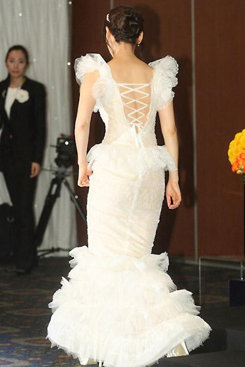 8 bộ đầm cưới đẹp mê ly của sao Hàn - 4