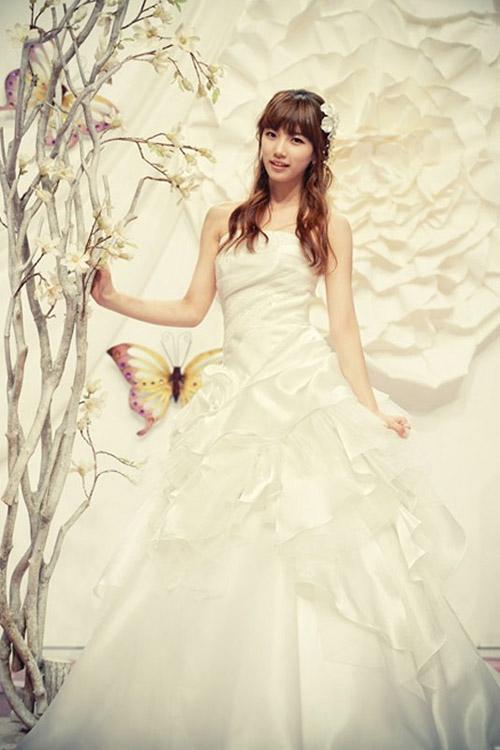 8 bộ đầm cưới đẹp mê ly của sao Hàn - 10