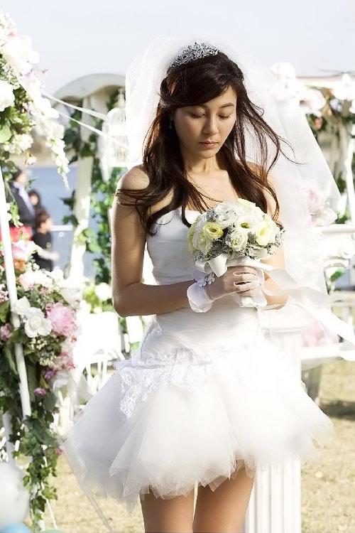 8 bộ đầm cưới đẹp mê ly của sao Hàn - 9