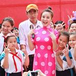 Ngôi sao điện ảnh - Vy Oanh được fan nhí vây kín