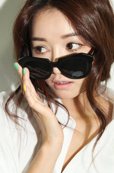 Giúp bạn chọn kính mắt thật mốt! - 12