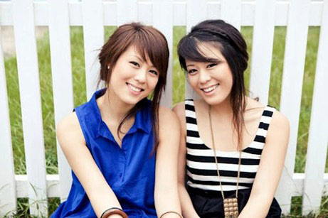 "2 cô gái ""cover"" Gangnam Style gây sốt - 3"