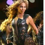 Thời trang - Beyonce bị chỉ trích vì chiếc váy sexy