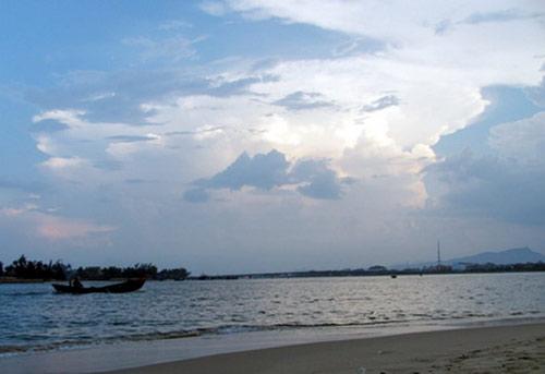Vẻ đẹp bao la của biển miền Trung - 1