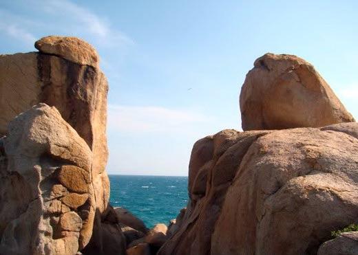 Vẻ đẹp bao la của biển miền Trung - 13