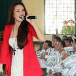 Ca nhạc - MTV - Vy Oanh gợi cảm hát trong trại giam