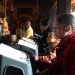 Tin tức trong ngày - Chùm ảnh người dân đi lễ chùa đầu năm
