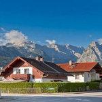 Du lịch - Ghé thị trấn cổ 'khai sinh' môn trượt tuyết núi