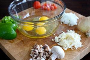 2 cách làm món trứng chiên ngon, dễ - 1