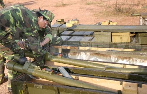 Xem tên lửa vác vai của Việt Nam khai hỏa - 3