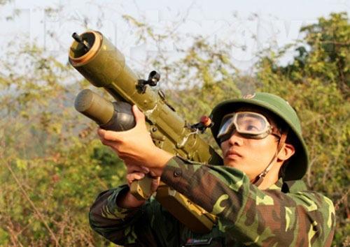 Xem tên lửa vác vai của Việt Nam khai hỏa - 5