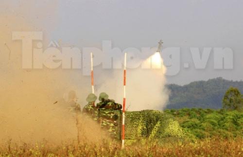 Xem tên lửa vác vai của Việt Nam khai hỏa - 8