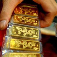 Ồ ạt mua vàng lấy hên ngày 'Thần tài'