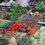 Thị trường - Tiêu dùng - Tăng giá vô lối, tiểu thương chuốc lấy ế ẩm