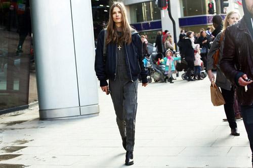 Tiệc thời trang sống động trên phố Anh - 13