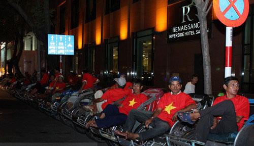 Sinh nhật đại gia Sài Thành với dàn xe siêu sang - 1