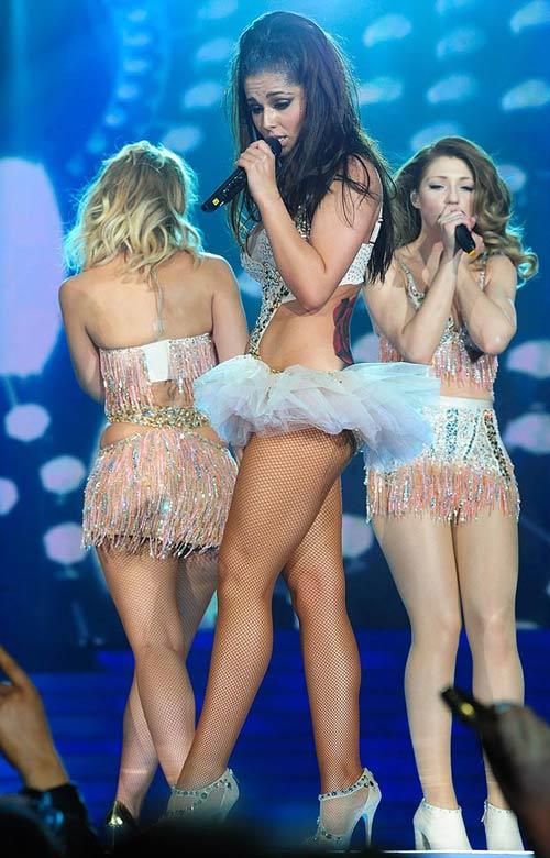 Khám hình xăm khắp cơ thể Cheryl Cole - 2