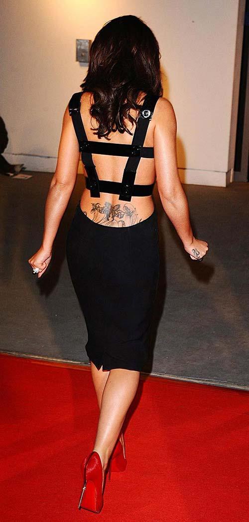 Khám hình xăm khắp cơ thể Cheryl Cole - 6