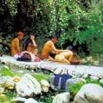 Tin tức trong ngày - TQ: Lạ kỳ tục đàn ông và đàn bà cùng tắm tiên