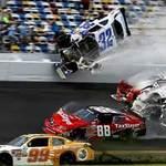 Thể thao - Tai nạn kinh hoàng tại đường đua Nascar