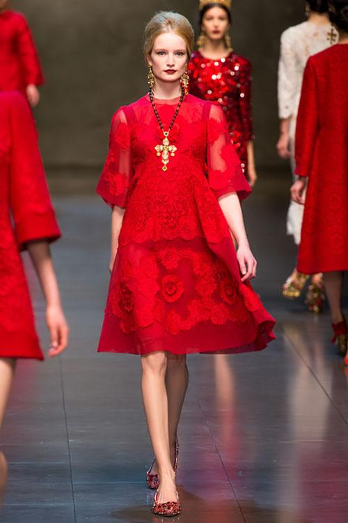 """Dolce & Gabbana lại gây """"thổn thức"""" - 2"""