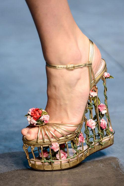 """Dolce & Gabbana lại gây """"thổn thức"""" - 9"""