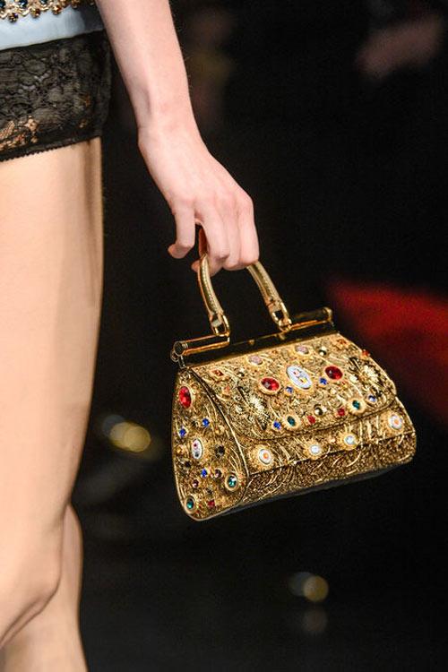 """Dolce & Gabbana lại gây """"thổn thức"""" - 8"""