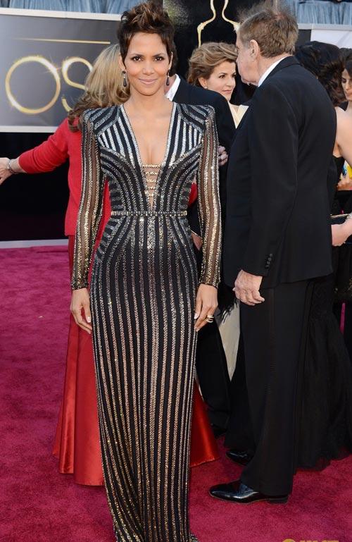 11 bộ đầm đẳng cấp nhất Oscars 2013 - 9
